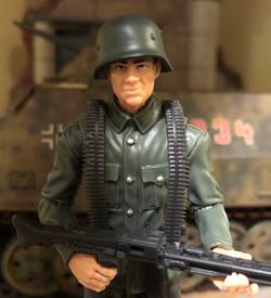 MG-42 with Shoulder Belt