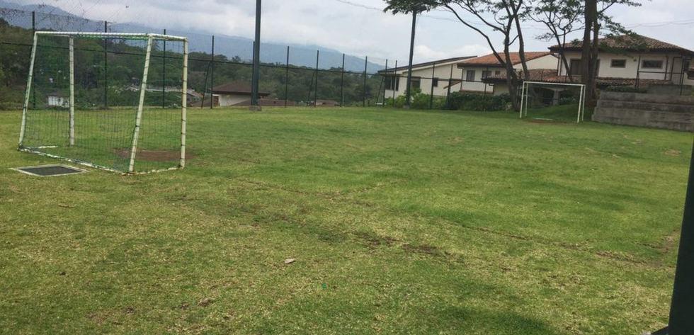 cancha futbol.jpg