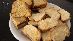 2 Leckere Rezeptideen um altes Brot und alte Brötchen zu verwerten
