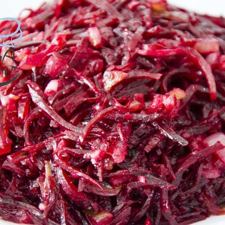 Rote Beete Salat mit Zwiebeln