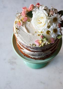 How+to+Make+a+Naked+Cake.jpeg