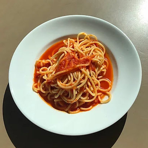 KIDS Spaghetti with Tomato Sauce or Butter