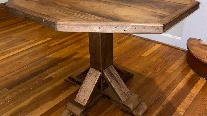 Farmhouse Pedestal Table