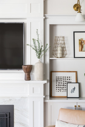 Built-in shelf styling by Cabana Rehab Interiors