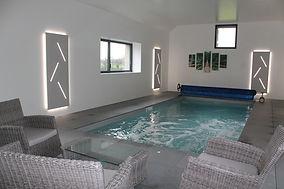 piscine intérieure chauffée toute l'année