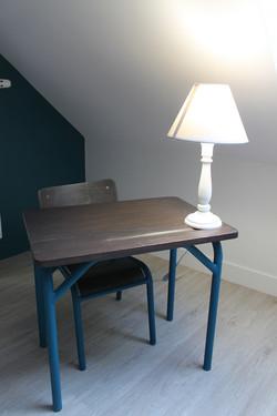 dortoir petite table