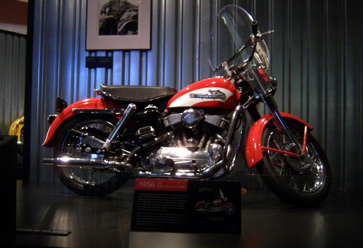 Harley Davidson KH900