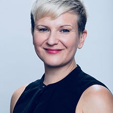 Verena-head-shot-726.jpg