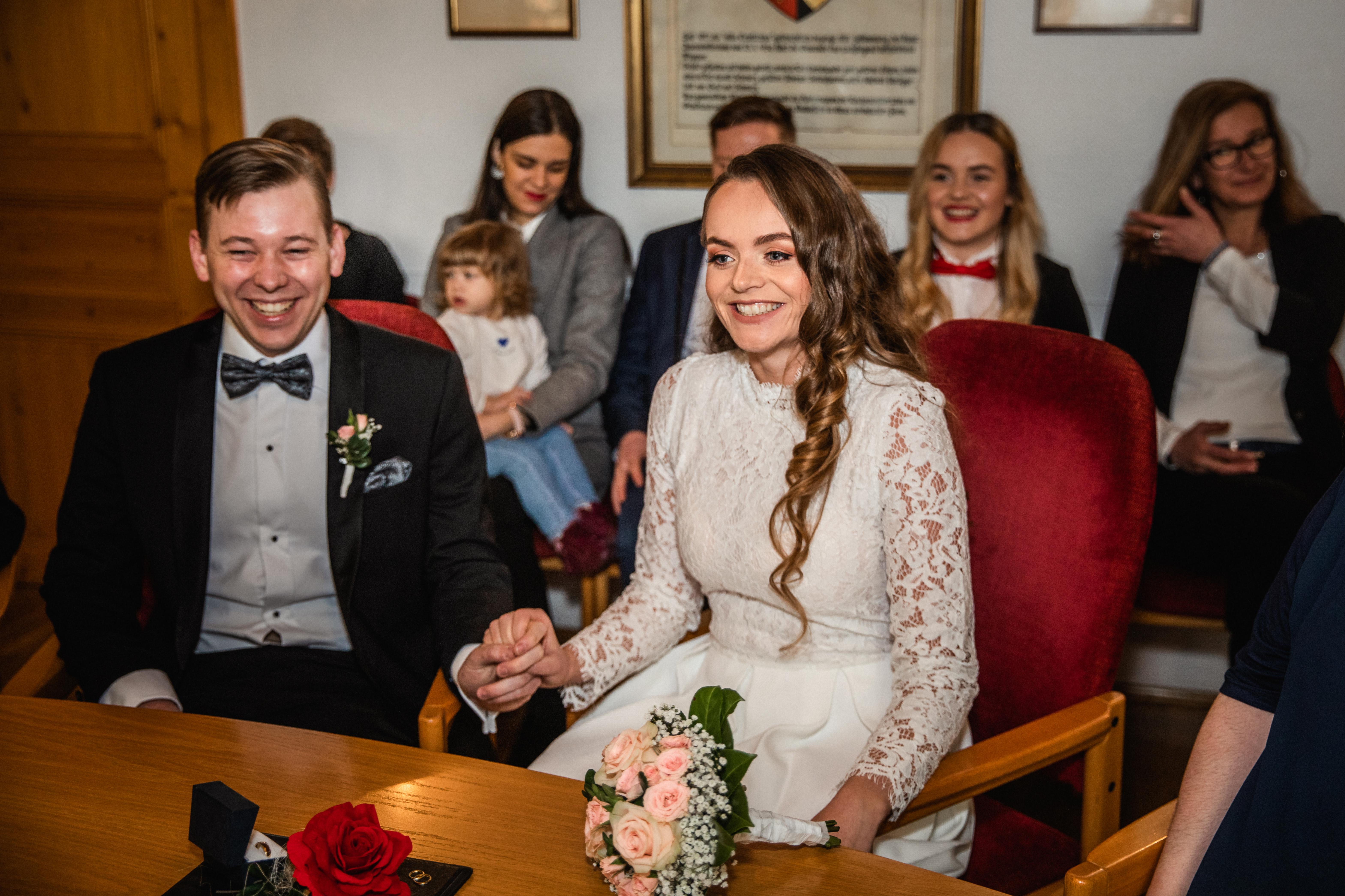 Hochzeitsfotograf-Grossgruendlach-Standesamt-Hallerschloss-Urbanerie-Stazija-und-Michael-015