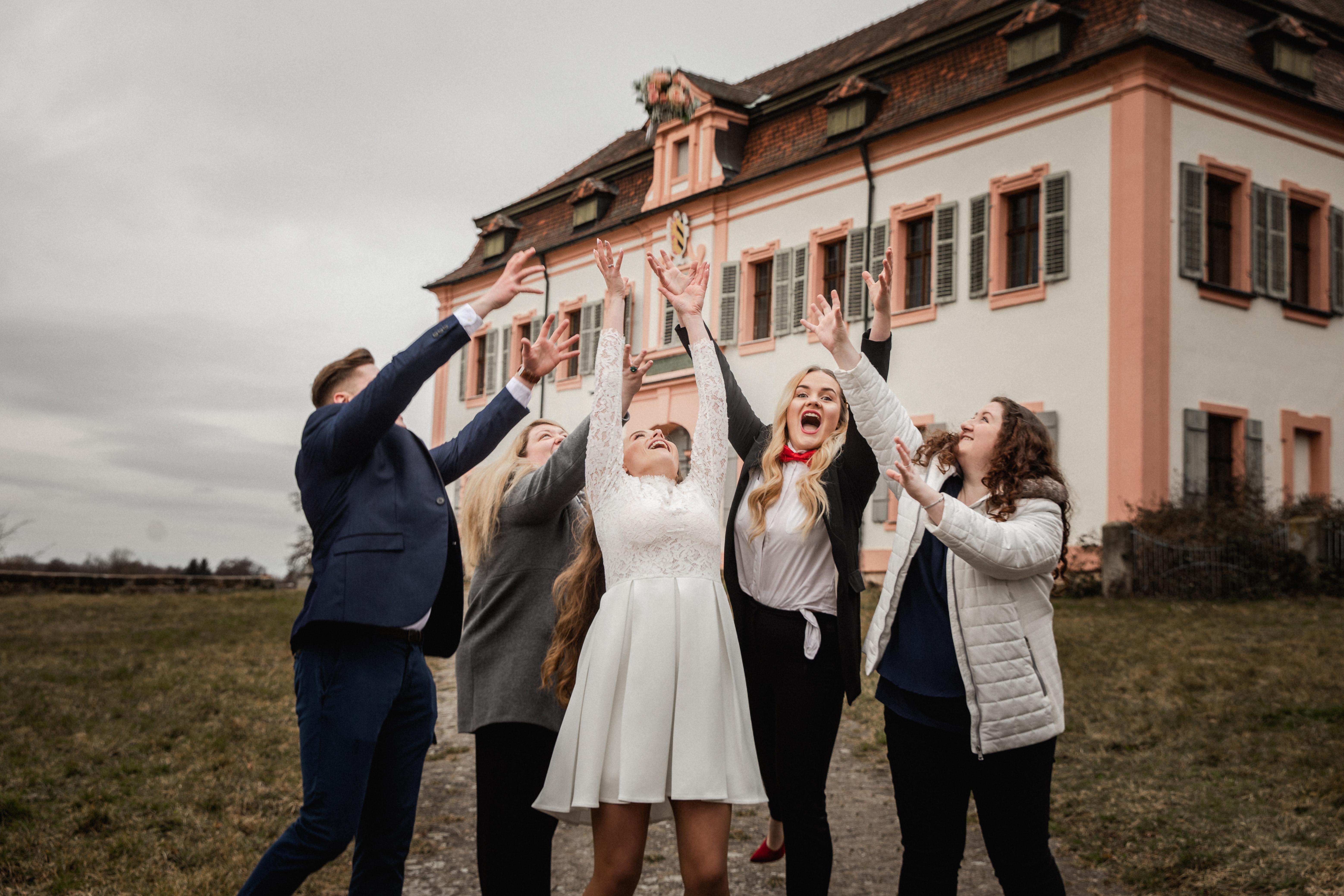 Hochzeitsfotograf-Grossgruendlach-Standesamt-Hallerschloss-Urbanerie-Stazija-und-Michael-082