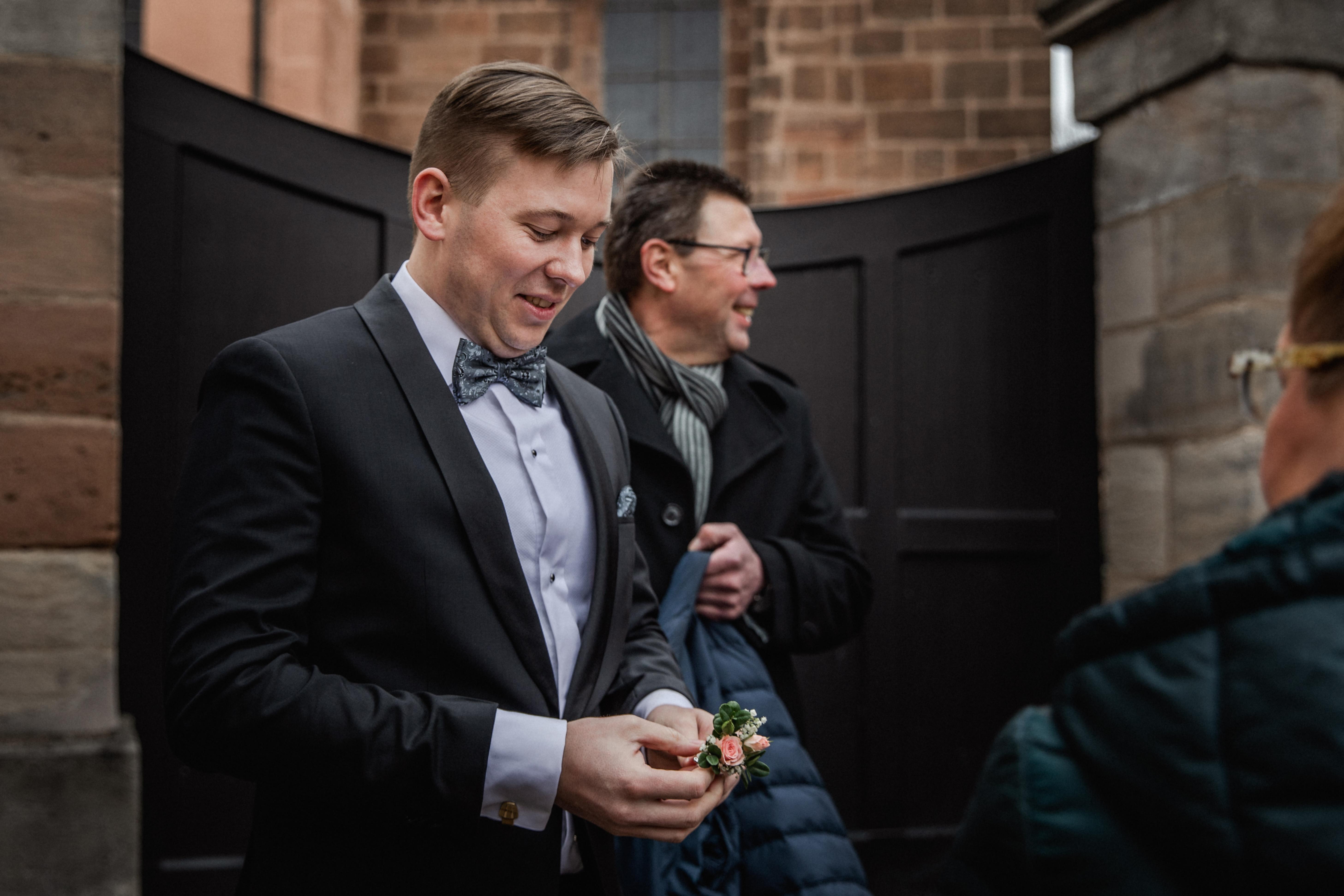 Hochzeitsfotograf-Grossgruendlach-Standesamt-Hallerschloss-Urbanerie-Stazija-und-Michael-005