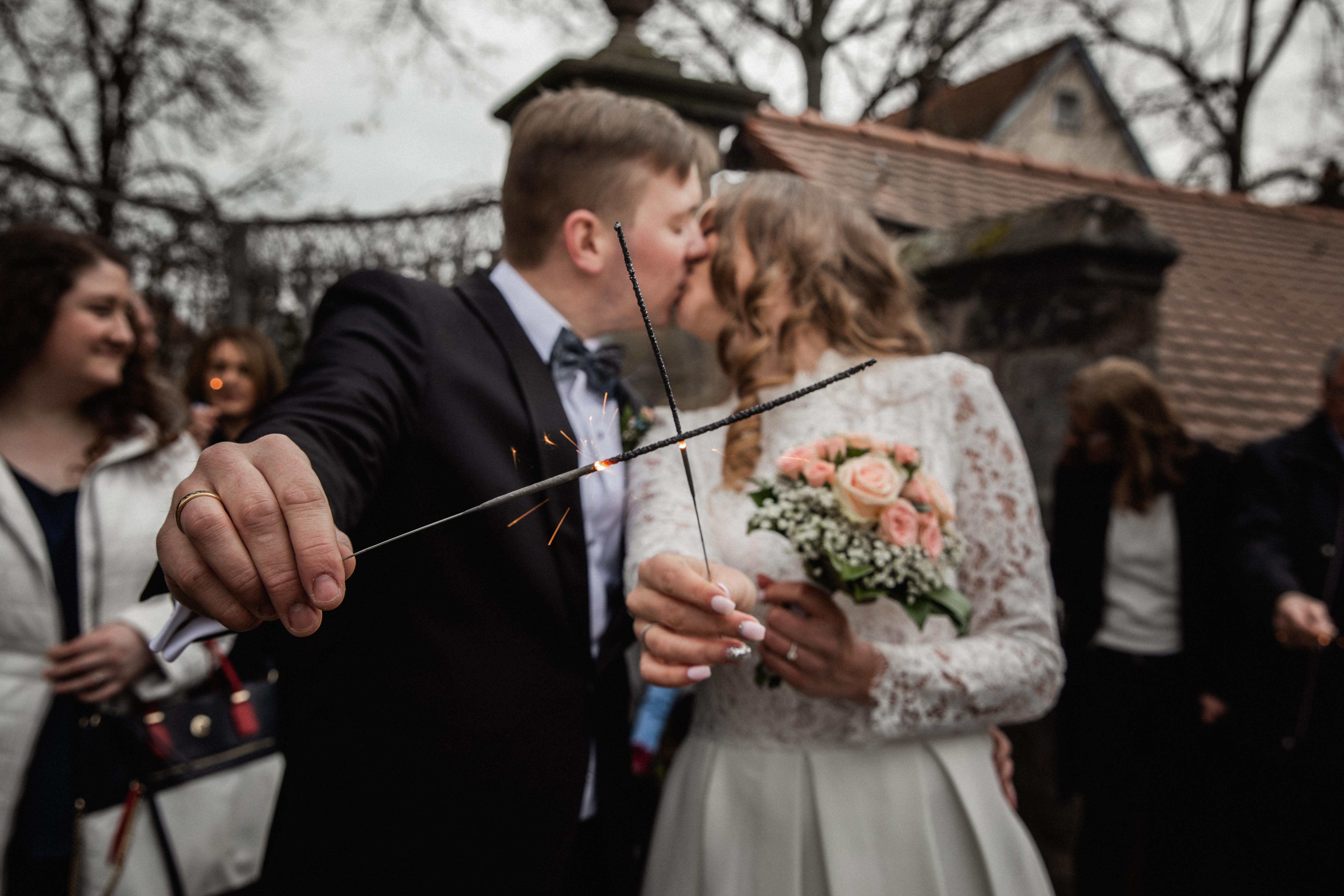 Hochzeitsfotograf-Grossgruendlach-Standesamt-Hallerschloss-Urbanerie-Stazija-und-Michael-072