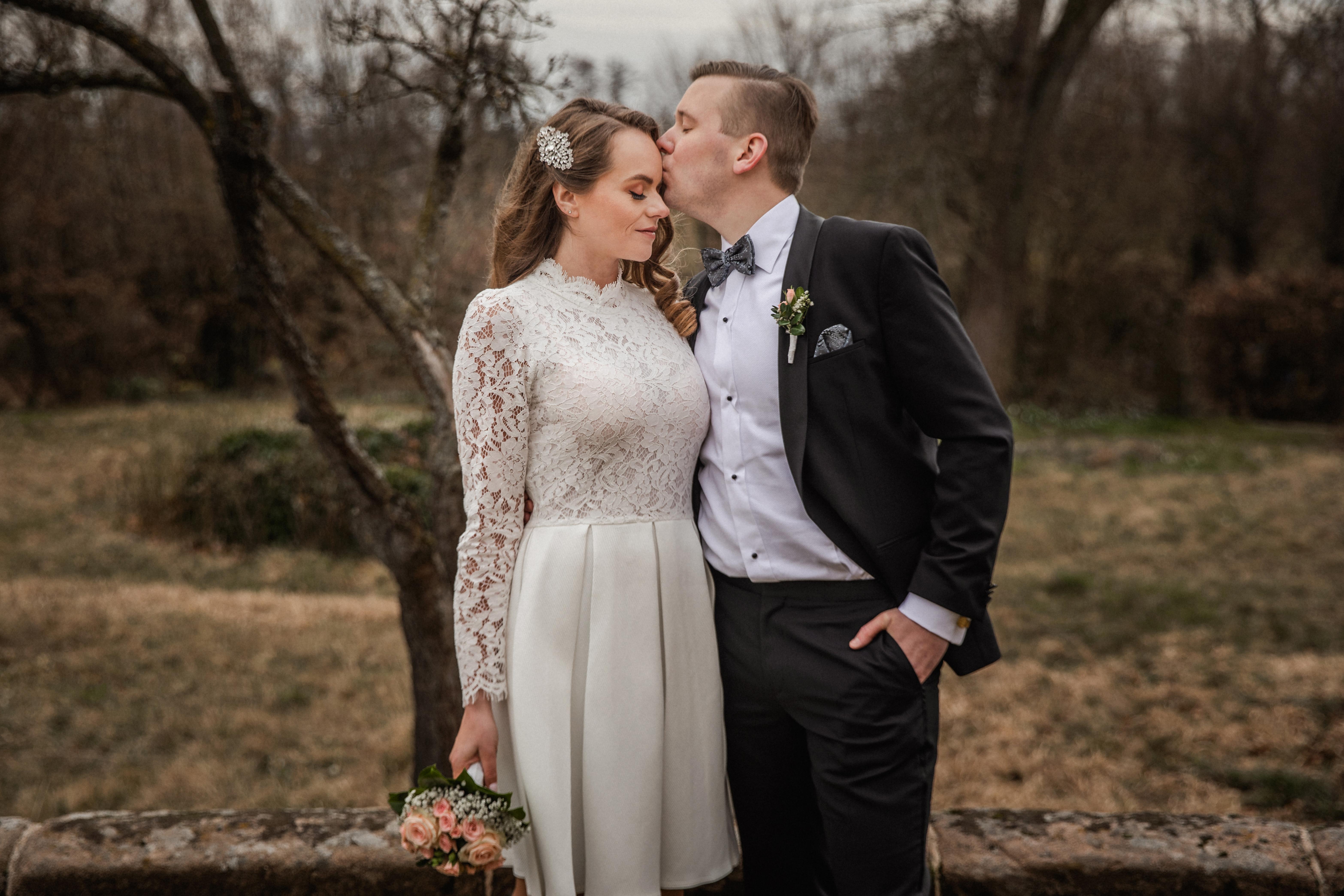 Hochzeitsfotograf-Grossgruendlach-Standesamt-Hallerschloss-Urbanerie-Stazija-und-Michael-001