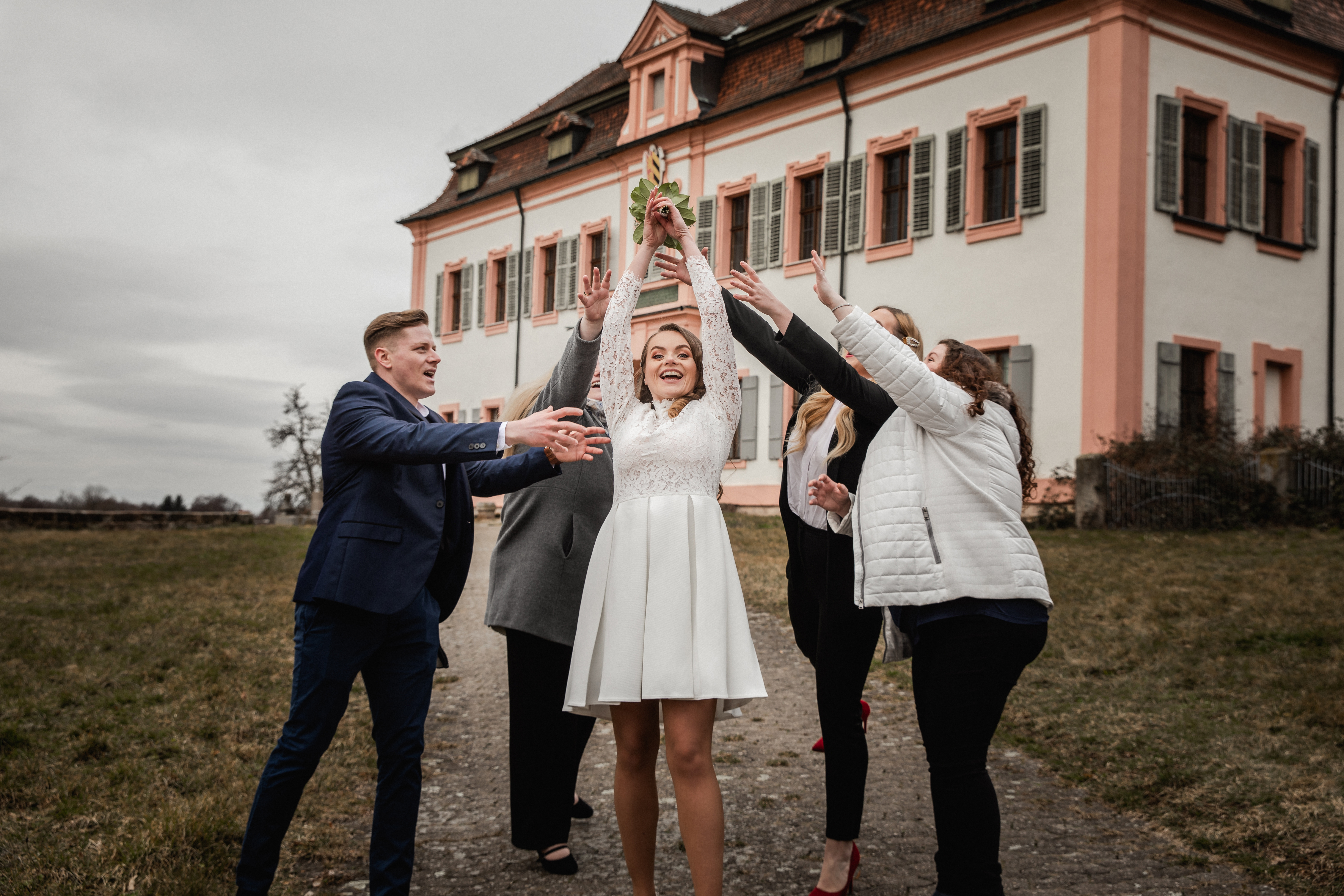 Hochzeitsfotograf-Grossgruendlach-Standesamt-Hallerschloss-Urbanerie-Stazija-und-Michael-81