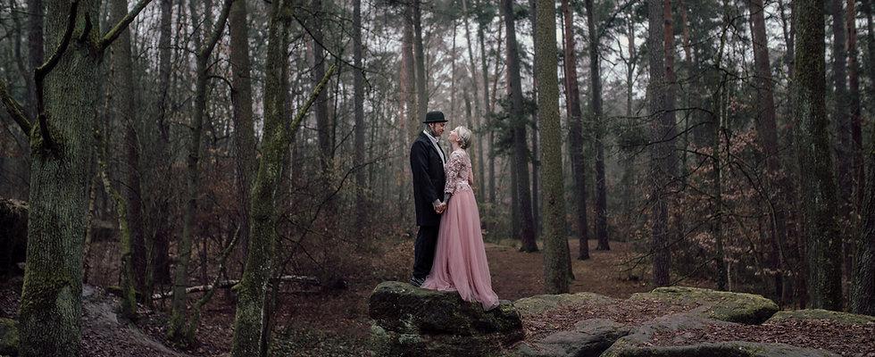 Hochzeitsfotograf_Paarfotograf_Nuernberg_Fuerth_Erlangen_Schwabach_URBANERIE_Daniela_Goth_Nuernberg_Steinbruechlein_180127