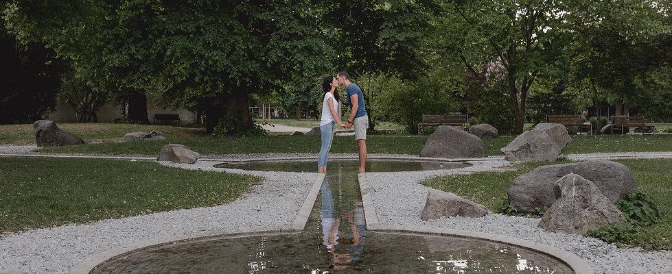 Hochzeitsfotograf_Paarfotograf_Nuernberg_Fuerth_Erlangen_Schwabach_URBANERIE_Daniela_Goth_Nuernberg_Stadtpark_180509