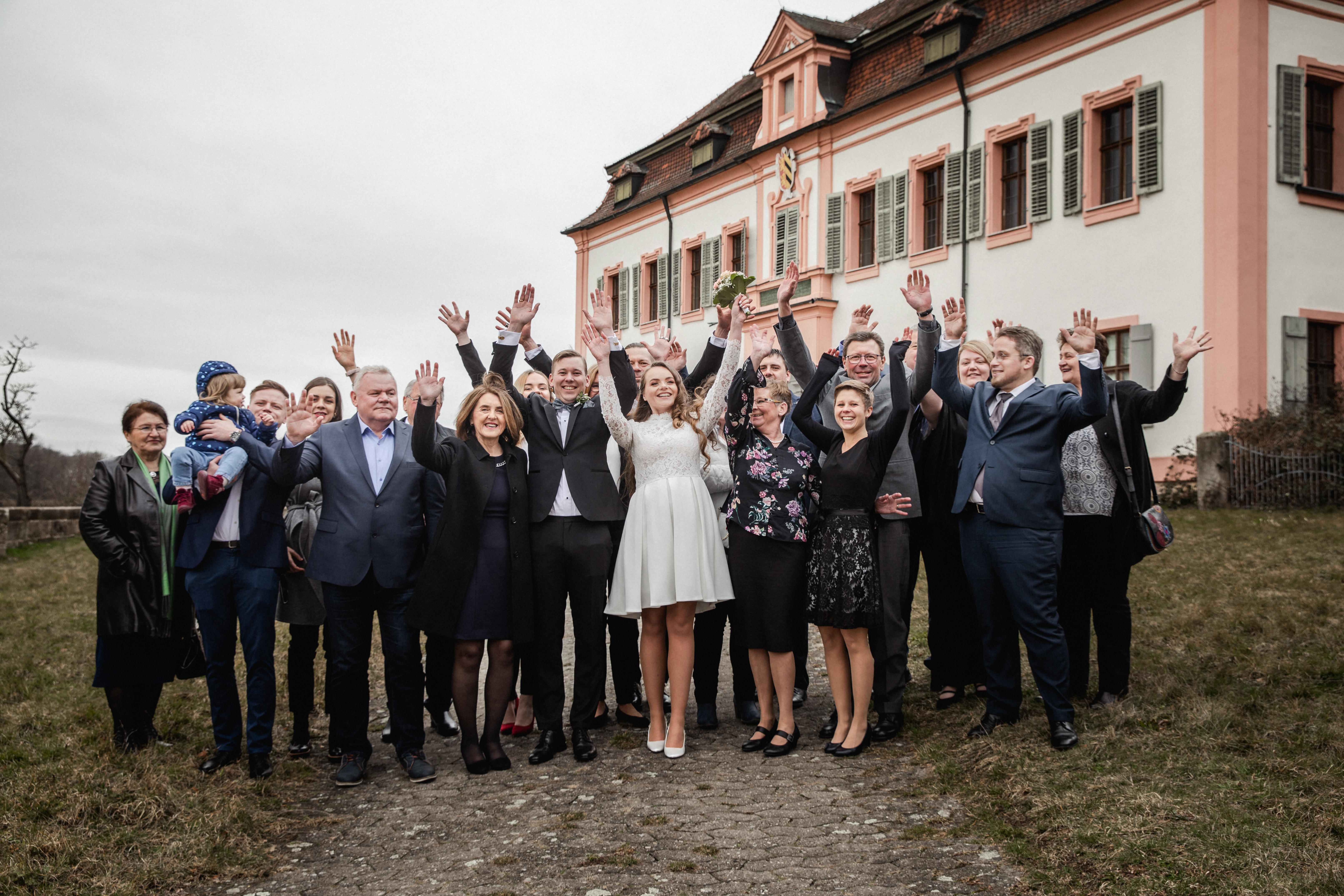 Hochzeitsfotograf-Grossgruendlach-Standesamt-Hallerschloss-Urbanerie-Stazija-und-Michael-070
