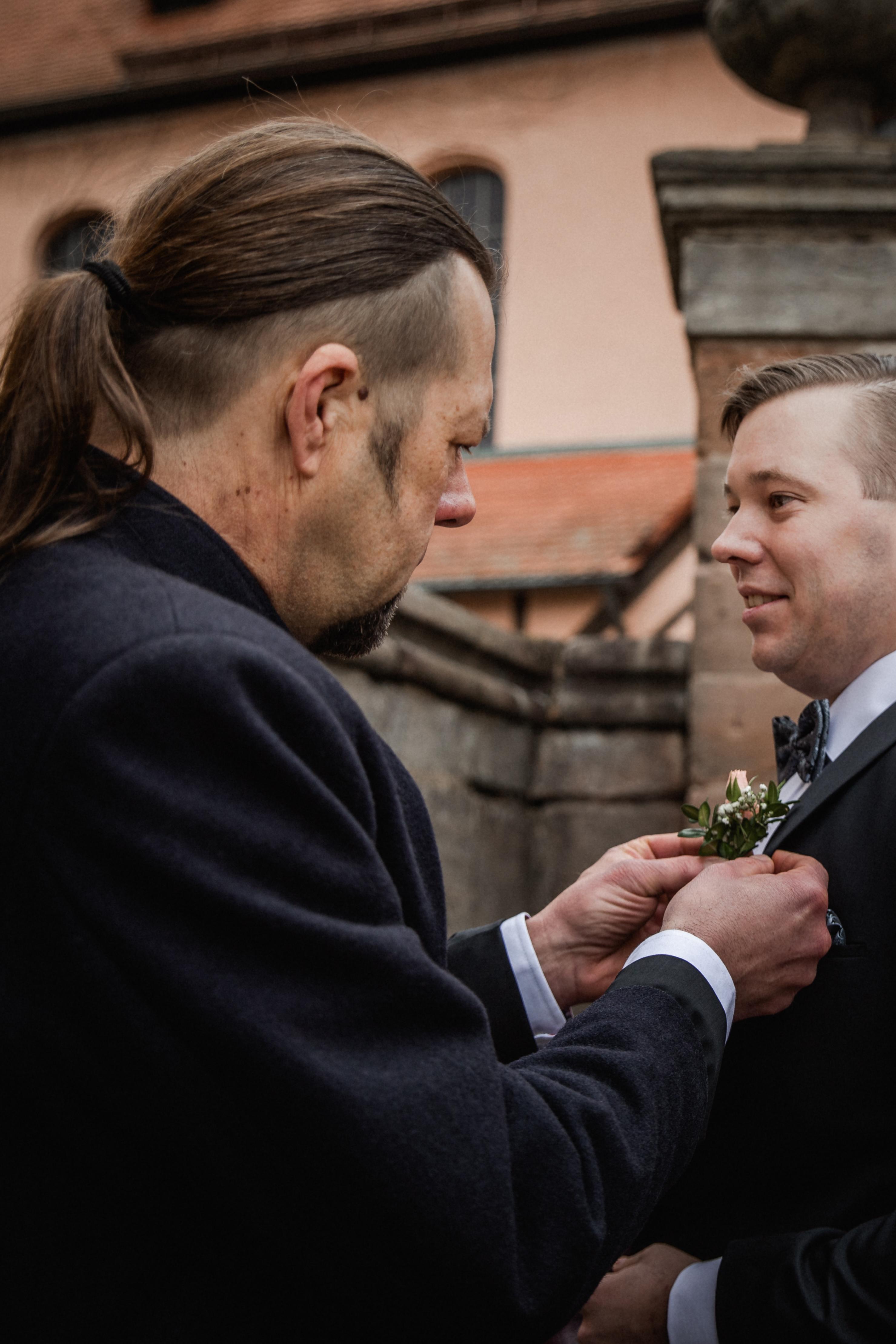 Hochzeitsfotograf-Grossgruendlach-Standesamt-Hallerschloss-Urbanerie-Stazija-und-Michael-007