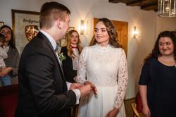 Hochzeitsfotograf-Grossgruendlach-Standesamt-Hallerschloss-Urbanerie-Stazija-und-Michael-022