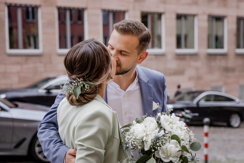 Hochzeitsfotograf_URBANERIE_Tobias_Paul_Bayern_Nürnberg_210709_Fembohaus_9B8A8873.jpg