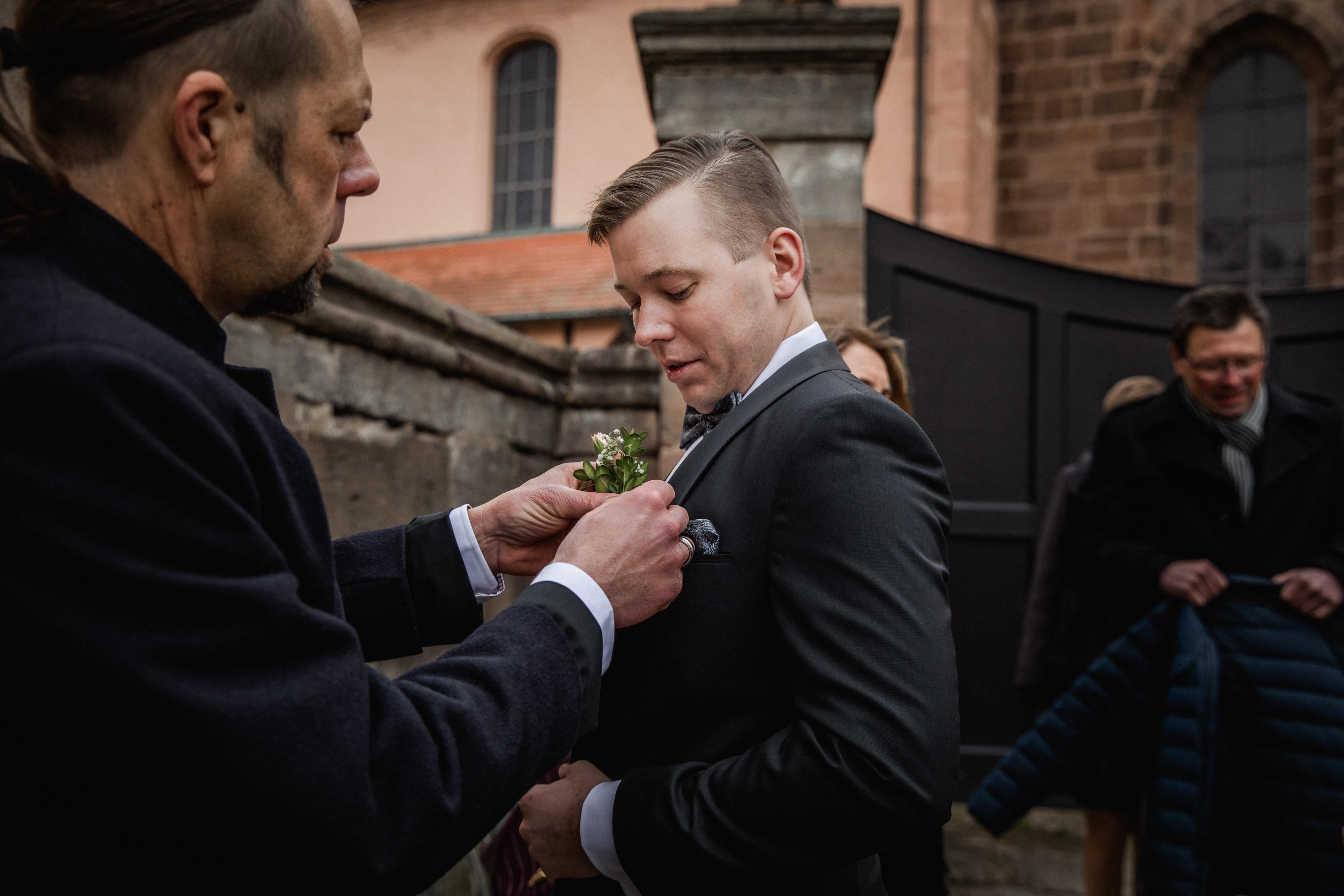 Hochzeitsfotograf-Grossgruendlach-Standesamt-Hallerschloss-Urbanerie-Stazija-und-Michael-006