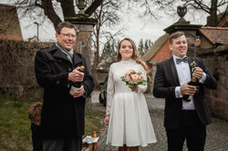 Hochzeitsfotograf-Grossgruendlach-Standesamt-Hallerschloss-Urbanerie-Stazija-und-Michael-054