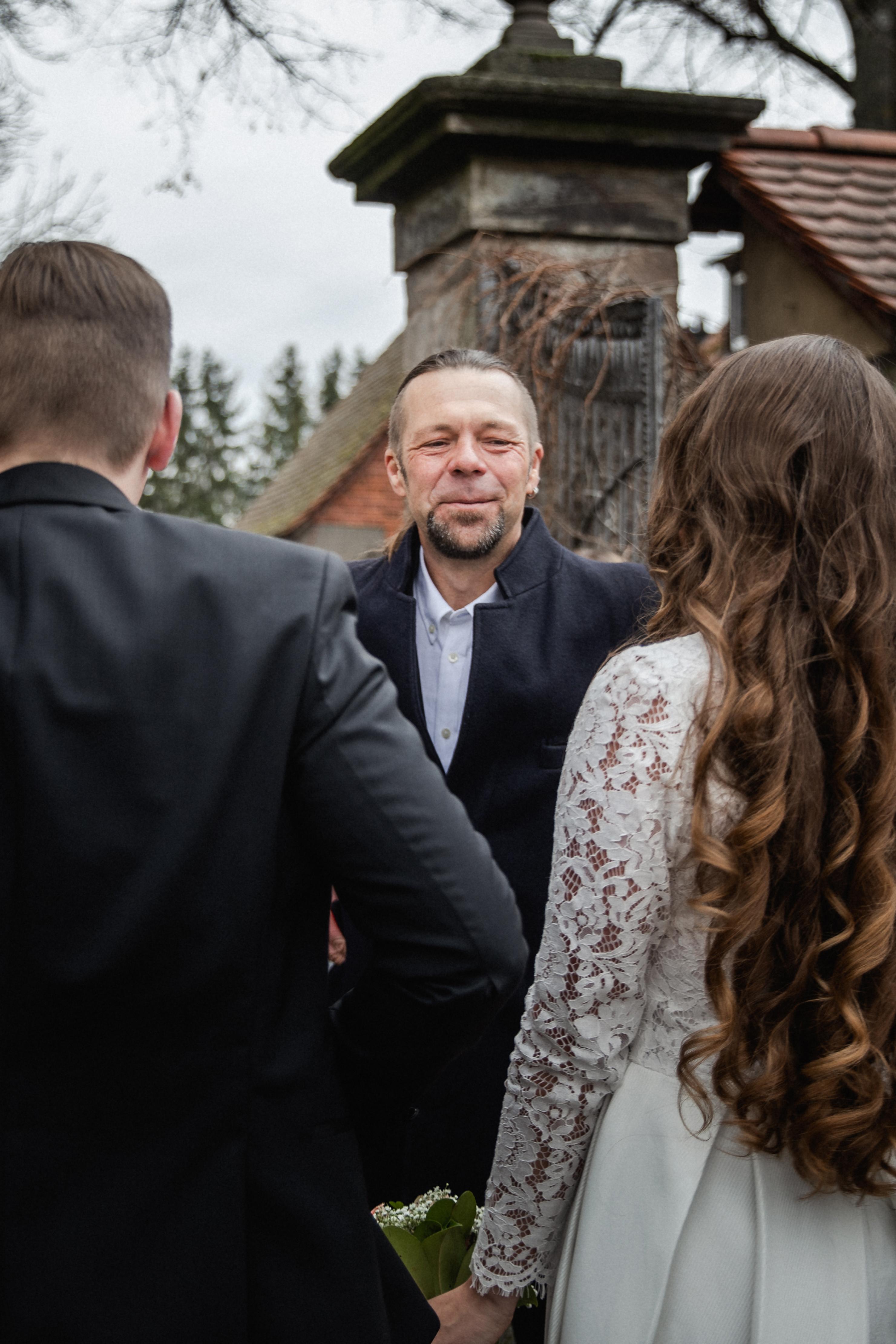 Hochzeitsfotograf-Grossgruendlach-Standesamt-Hallerschloss-Urbanerie-Stazija-und-Michael-045