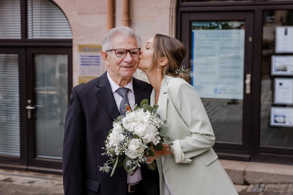 Hochzeitsfotograf_URBANERIE_Tobias_Paul_Bayern_Nürnberg_210709_Fembohaus_9B8A8976.jpg