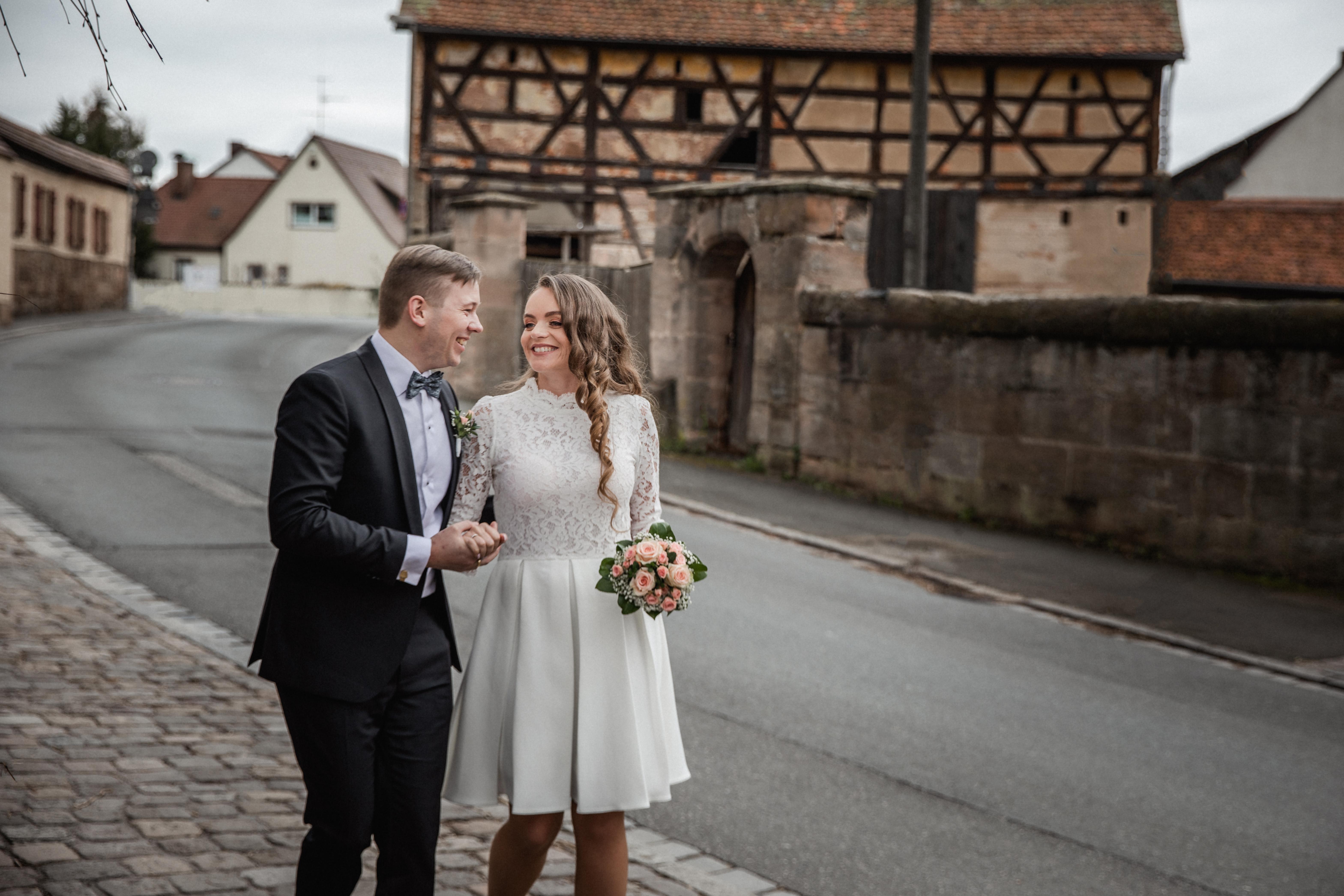 Hochzeitsfotograf-Grossgruendlach-Standesamt-Hallerschloss-Urbanerie-Stazija-und-Michael-029