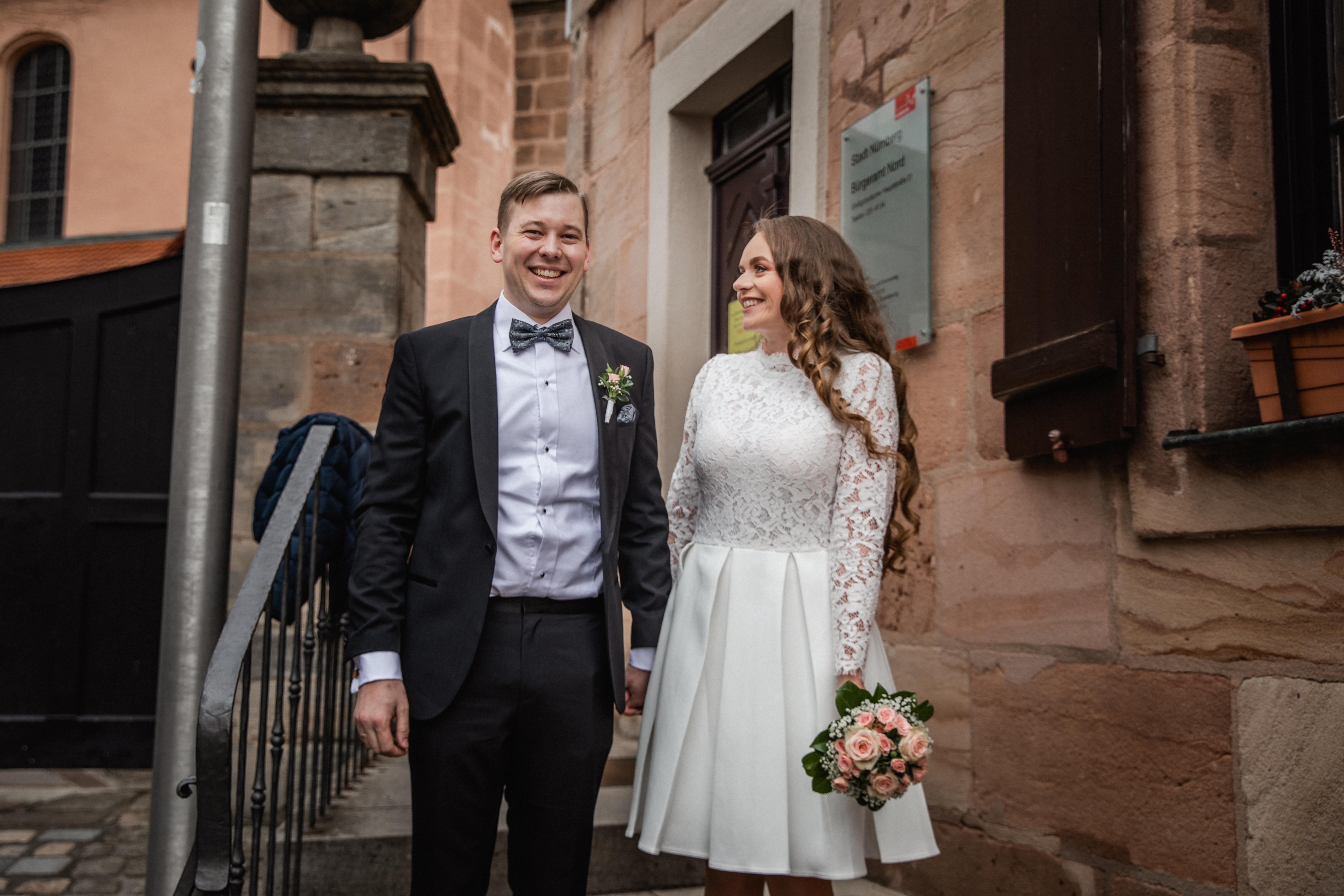 Hochzeitsfotograf-Grossgruendlach-Standesamt-Hallerschloss-Urbanerie-Stazija-und-Michael-027