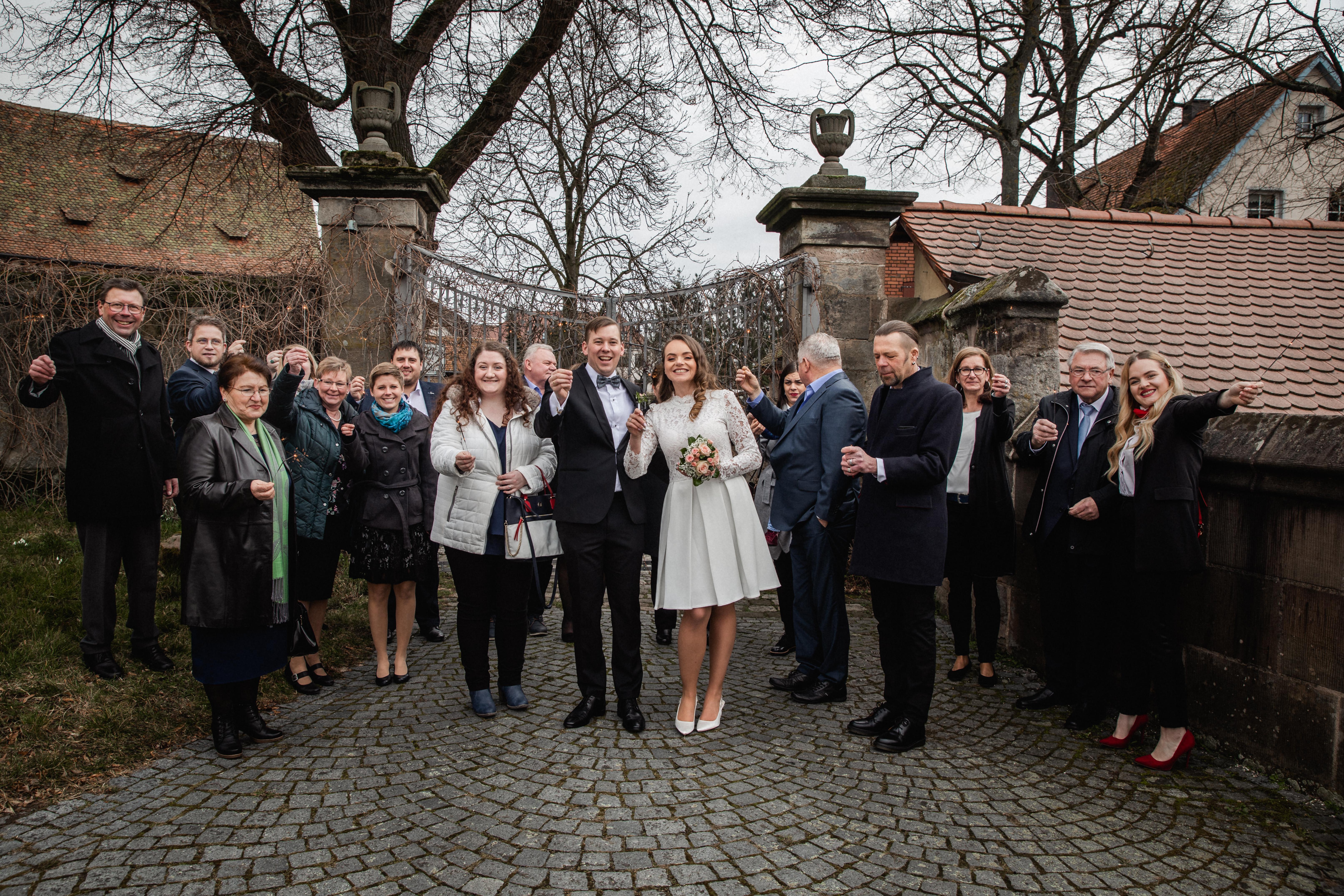 Hochzeitsfotograf-Grossgruendlach-Standesamt-Hallerschloss-Urbanerie-Stazija-und-Michael-075