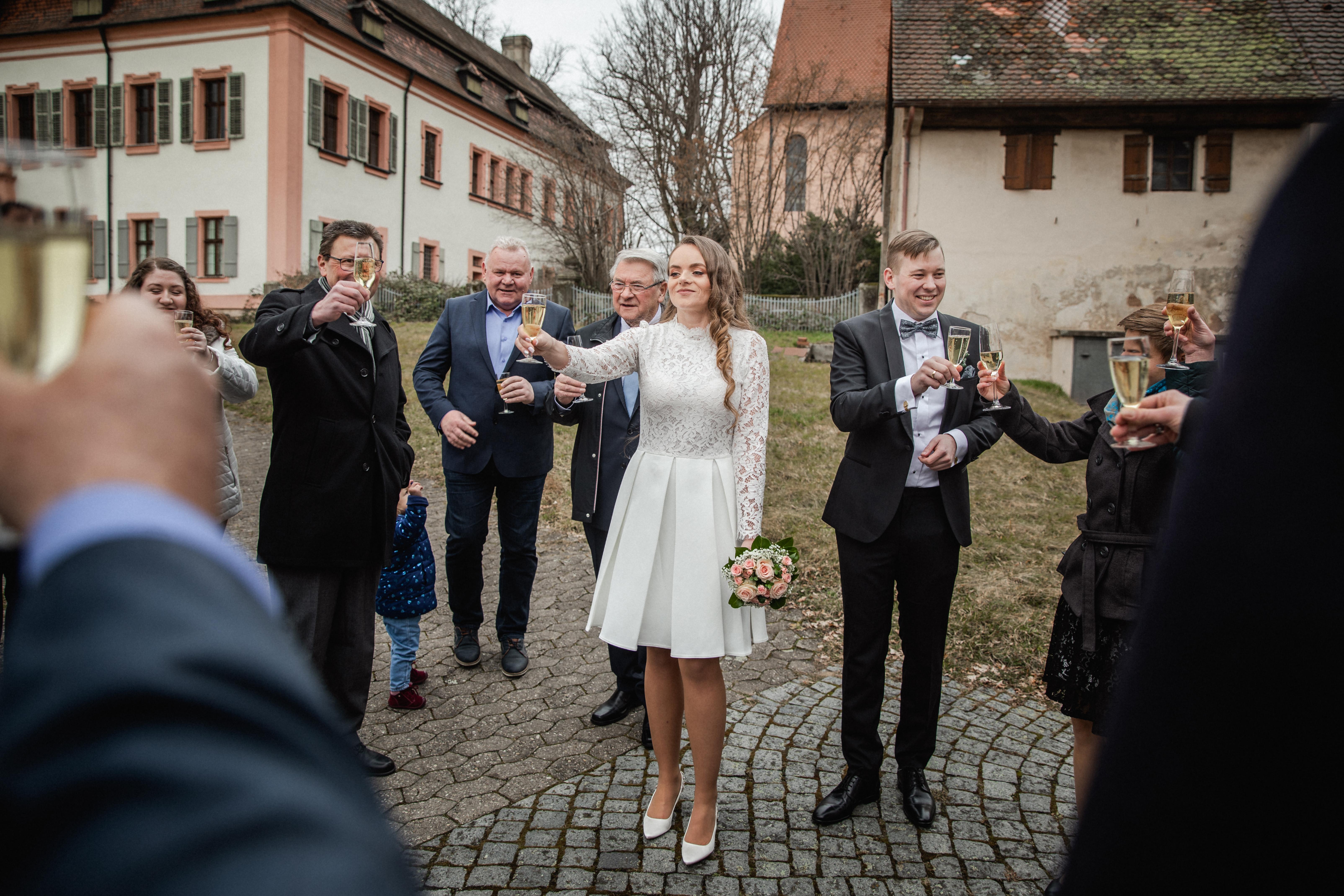 Hochzeitsfotograf-Grossgruendlach-Standesamt-Hallerschloss-Urbanerie-Stazija-und-Michael-058