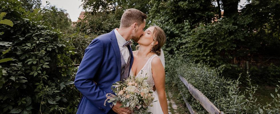 Hochzeitsfotograf_URBANERIE_Daniela_Goth_Bayern_Schwabach_Goldener_Stern_210731_282A2519.j