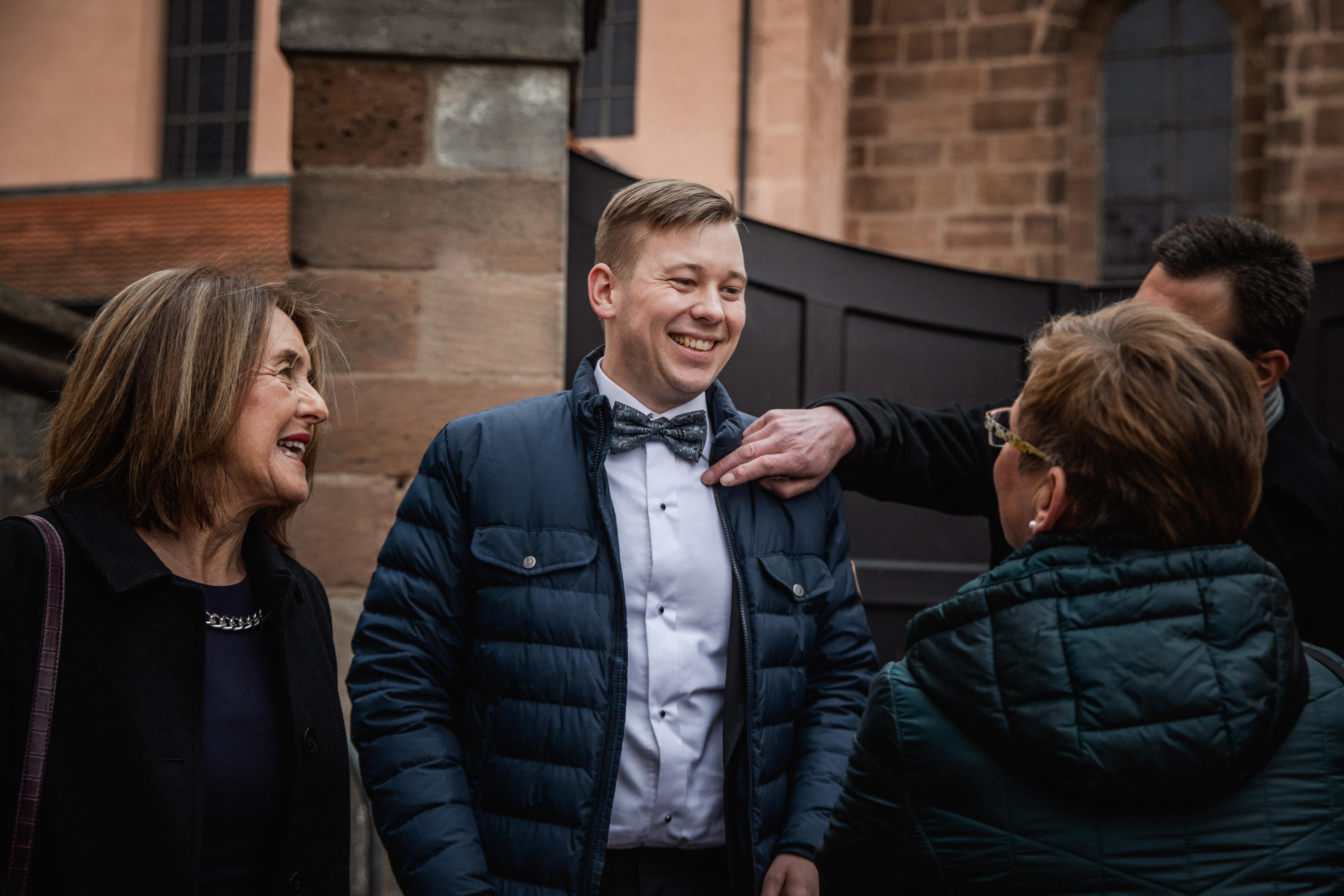 Hochzeitsfotograf-Grossgruendlach-Standesamt-Hallerschloss-Urbanerie-Stazija-und-Michael-004