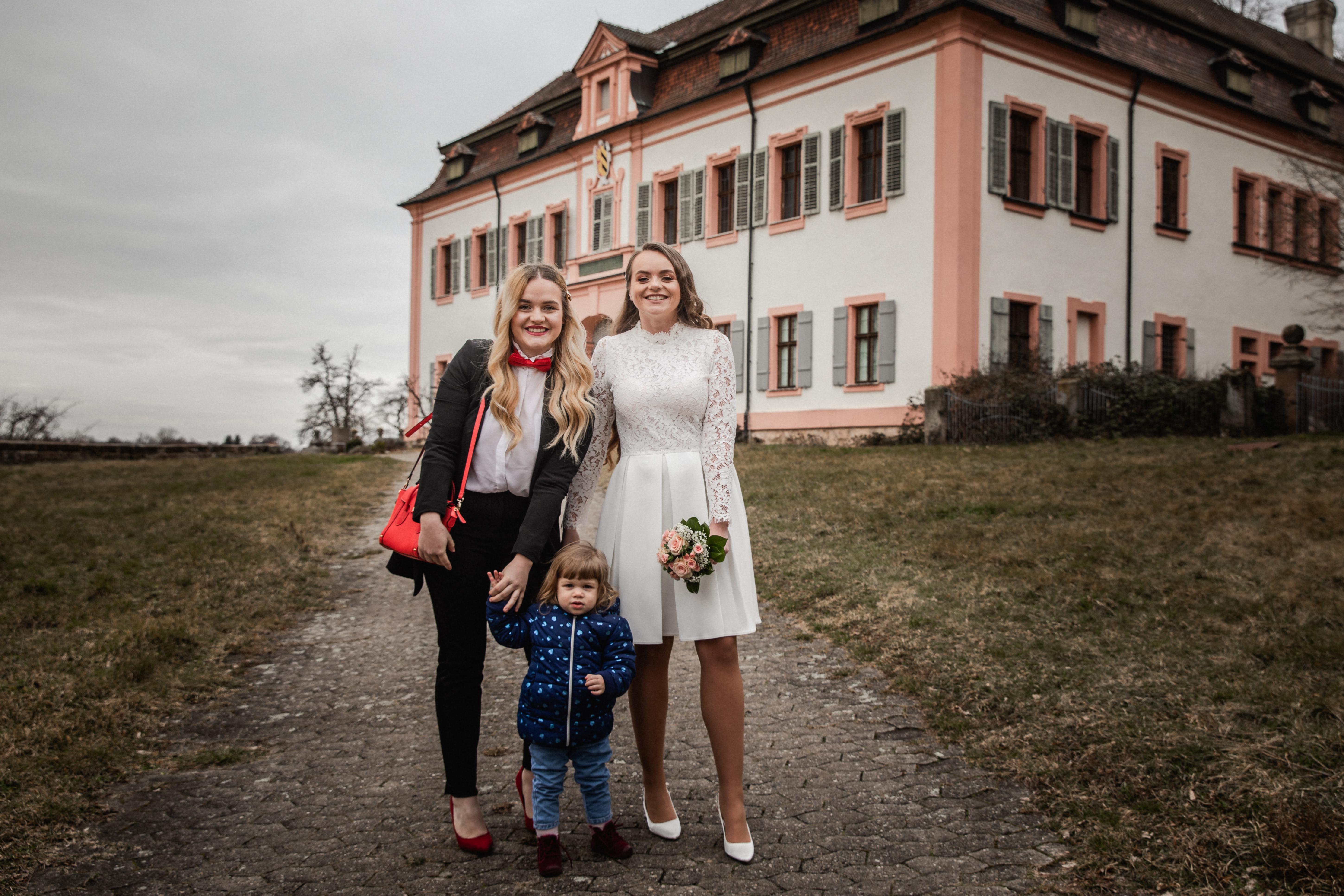 Hochzeitsfotograf-Grossgruendlach-Standesamt-Hallerschloss-Urbanerie-Stazija-und-Michael-050