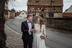 Hochzeitsfotograf-Grossgruendlach-Standesamt-Hallerschloss-Urbanerie-Stazija-und-Michael-030