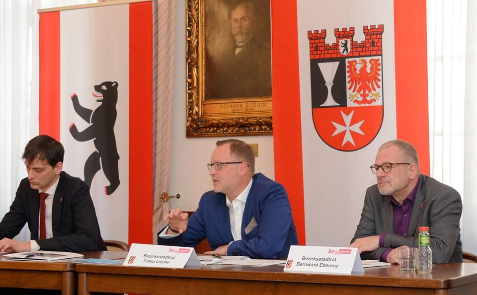 Falko Liecke, stellv. Bezirksbürgermeister stellt seine Schwerpunkte vor.