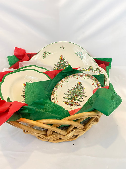Spode Christmas Plate Set