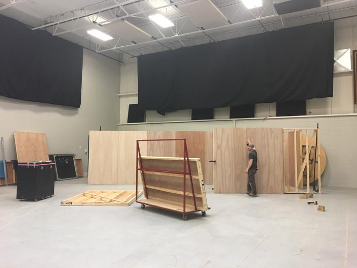 So the set begins