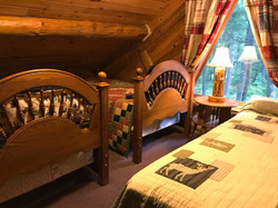 Loft with queen & twin beds