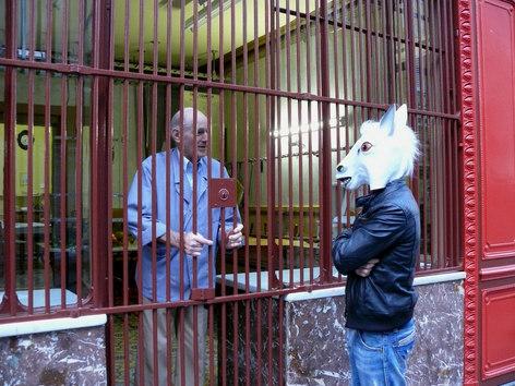 Chartres, Les vents tourneront. Le thême du disque tournait, visuelement, autour de ce concept d'homme-cheval, alors je suis venu demander des comptes à ce boucher.