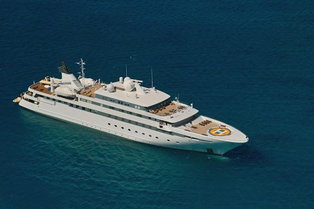[89m-Yacht-LAUREN-L]-1040-41.jpg