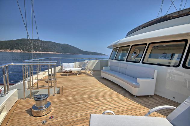 portuguese deck - observation area.jpg