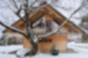 lesna hiša Dom med brezami Gašper Fabijan