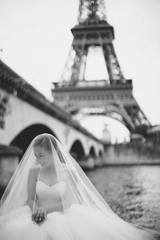 pre wedding paris photoshoot aivy yong makeup paris eiffel tower