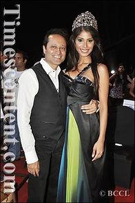 Nicole Faria-Vineet Jain.jpg