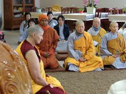 Drolkar meditation session