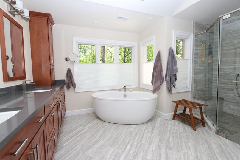 Hemingway Bathroom