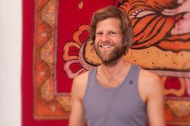 Anusara Yoga München - Henning Vollbrecht