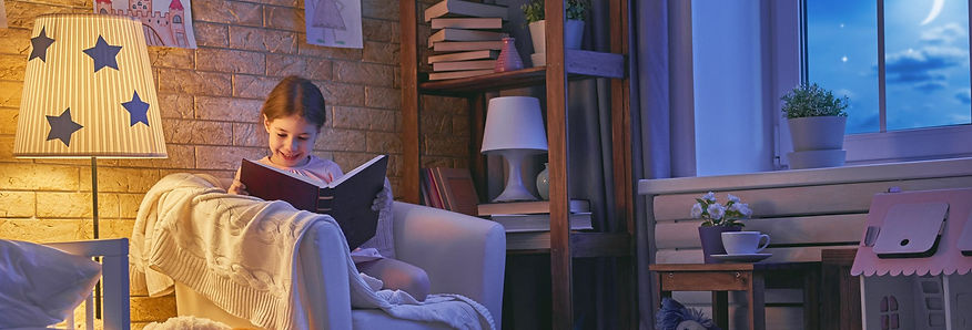 girl-reading-a-book-PUKYN7Sab.jpg